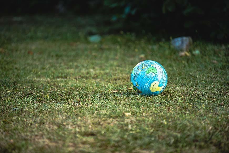 globe-earth-mondev.jpg#asset:30989
